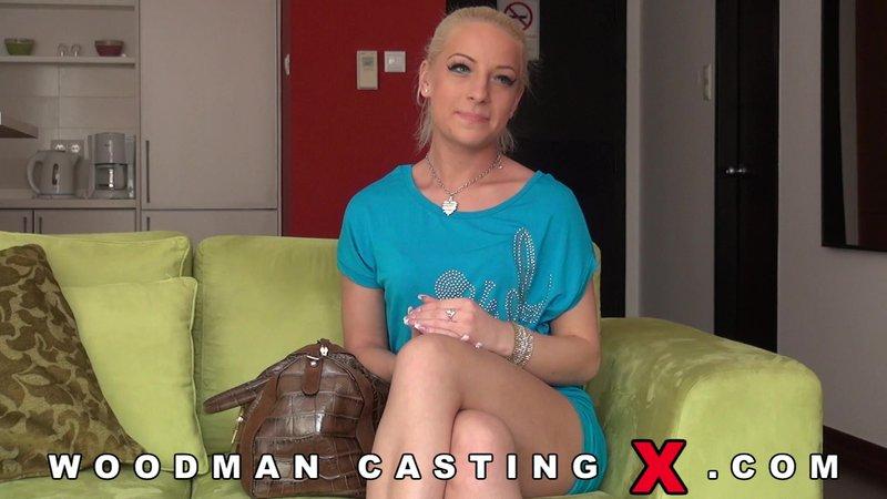Кастинг Вудмана с блондинкой