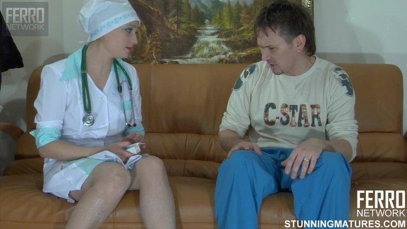 Зрелая медсестра соблазнила своего пациента